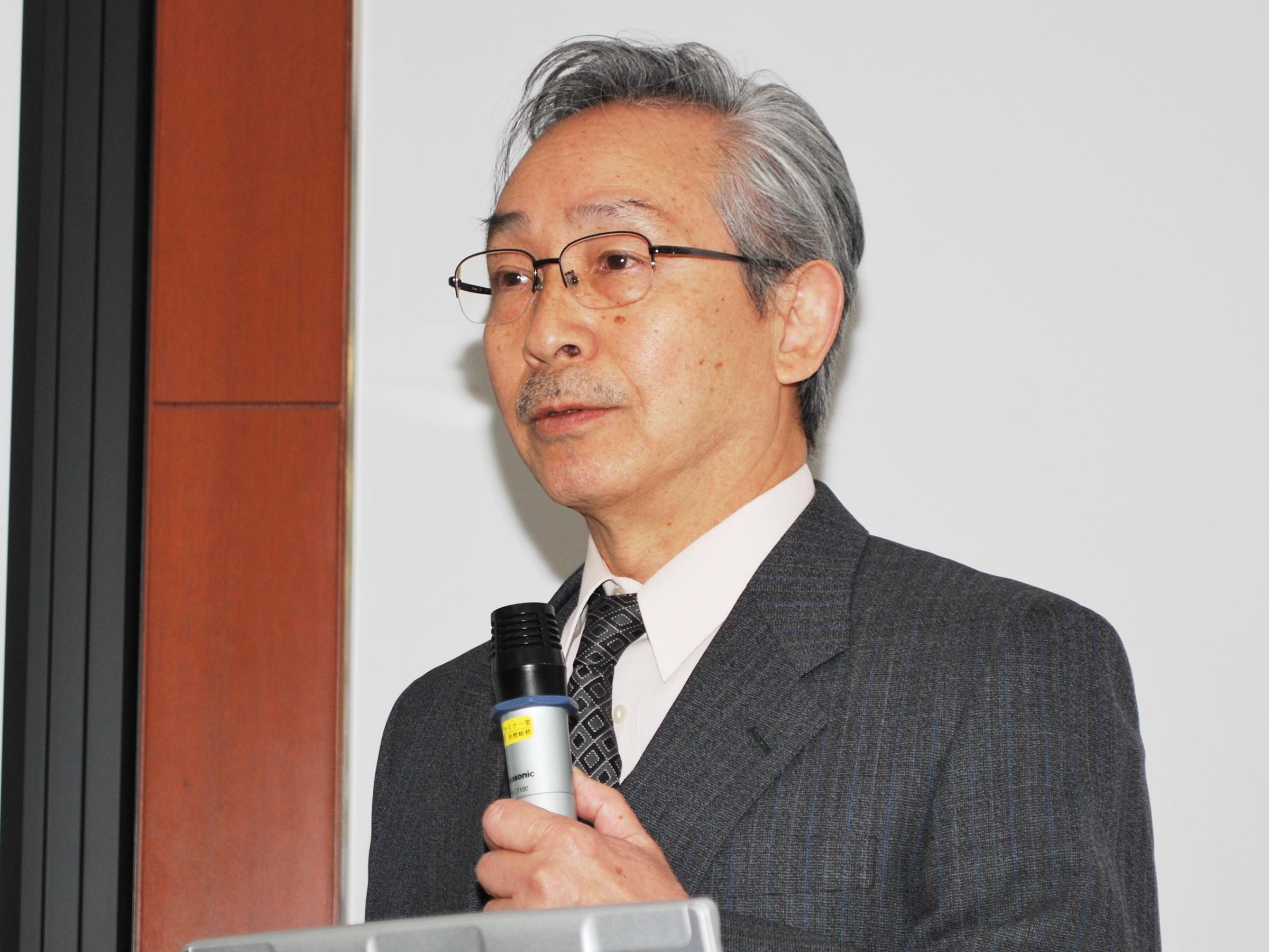 Photo: Dr. YAGI Shigenori