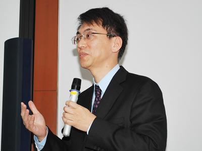 Photo: Dr. NISHINAKAMURA Ryuichi