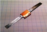 図1 超伝導はんだ接続されたレアアース系超伝導線